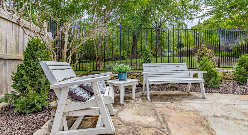 Shaded seating area in one of the many relaxing outdoor areas