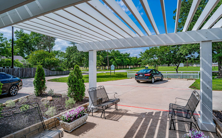 Covered entrance to 4318 W Crawford St Silver Leaf Assisted Living