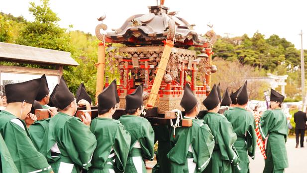隠岐神社神輿渡御