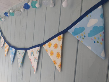 Two Little Pigs Bunting