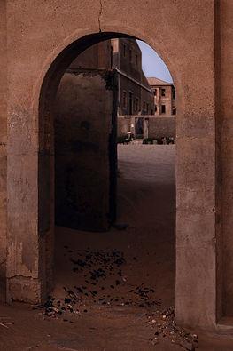 Porta sulla città | Portali. Kolmanskop, Namibia 2019