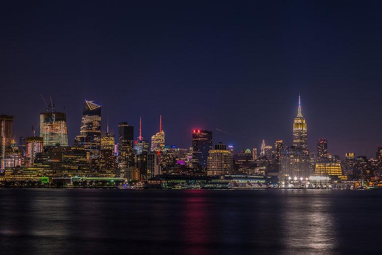 salah alkhatib photos, new york skyline, night photography, lights, big apple, long exposure, photo, photos, picture, pictures, Nikon D800, D800E, NIKON, TRAVEL, USA, BUILDINGS, SILKY WATER, SOFT WATER, WATER, RIVER,