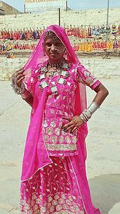 -Mujer Lago Gadi Sagar- Gadi Sagar, Indi