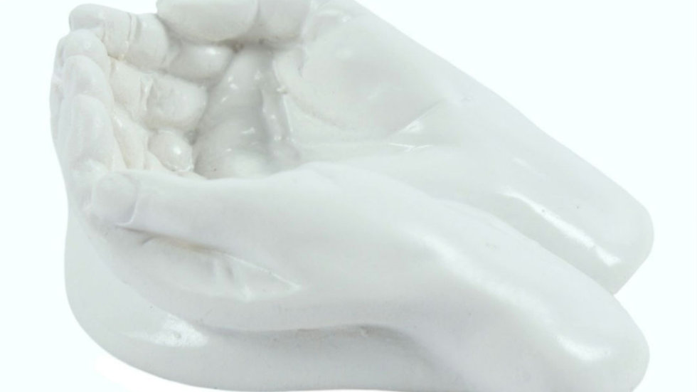 Small cupped hands ornament