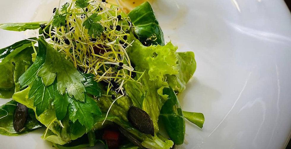 Salat Apfel-Mandel_freigestellt.jpg