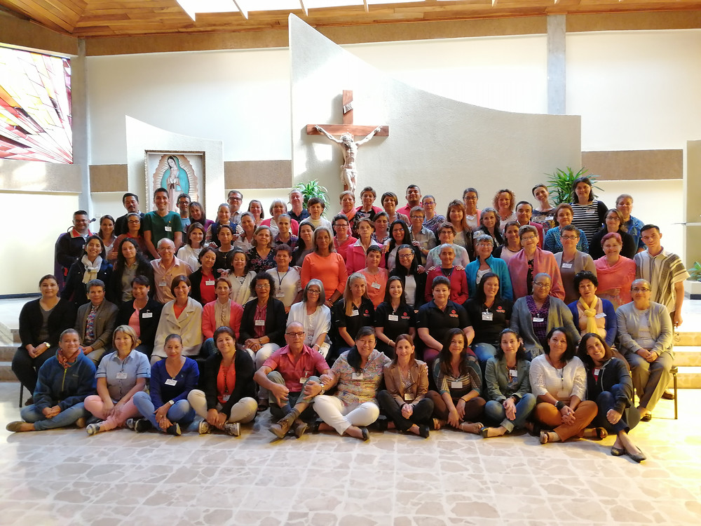 Todos los Guías de los Equipos Locales presentes en la Asamblea Nacional TOV 2019, fotografía después de la Eucaristía el cuarto día de la Asamblea.
