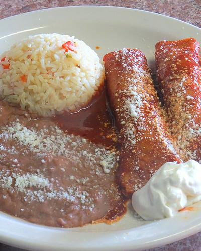 2 Enchiladas Rojas