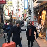 Com Antonio Loureiro fazendo compras em Shibuya, Tokyo.