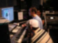Musik selber produzieren, Produzentenschule
