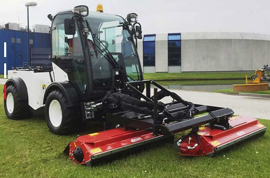 Dücker double flail mower on Multihog