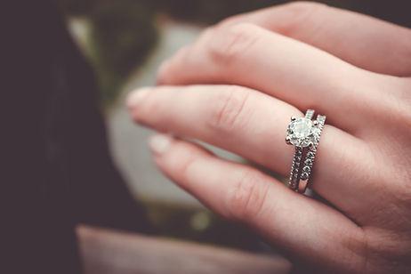 Anel de noivado de diamante