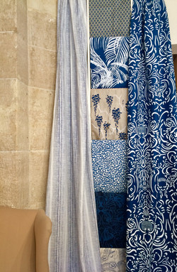 Outline French Damask