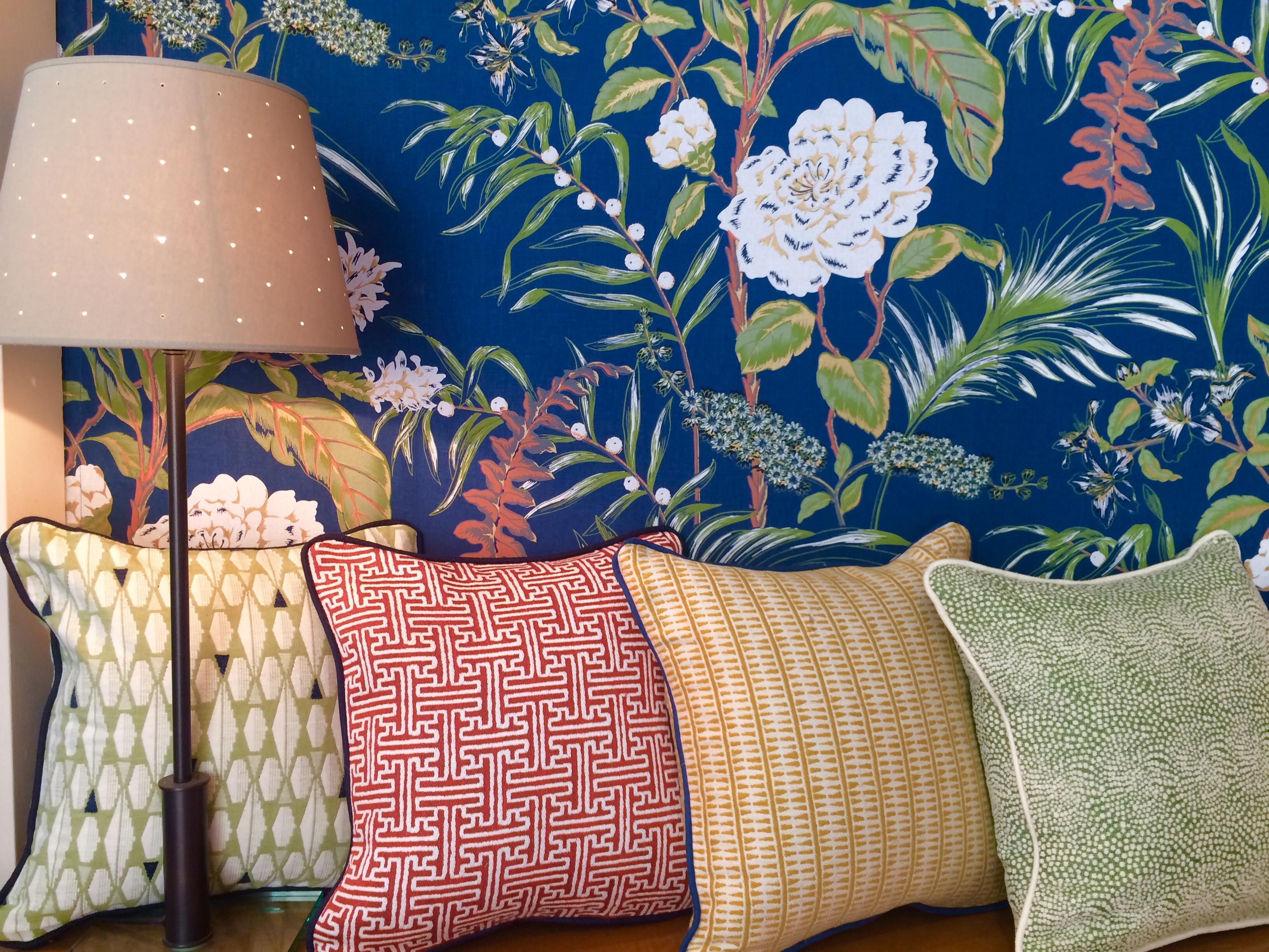 Coussins, motifs tissés à la couleur