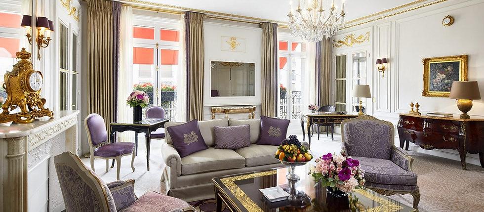 paris-plaza-athenee-prestige-suite-livin