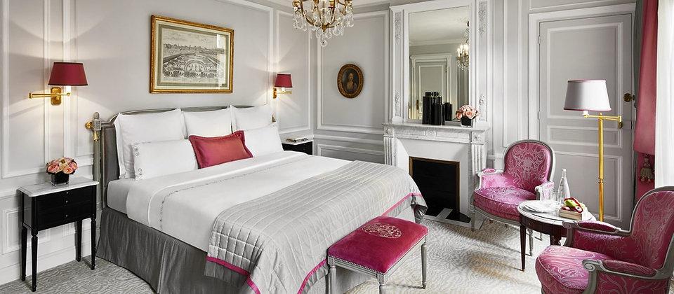 paris-plaza-athenee-deluxe-room-classic-