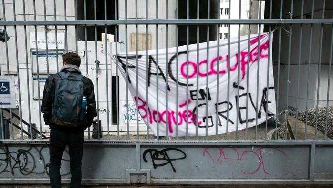 POURQUOI LA RÉVOLTE DES ÉTUDIANTS EST UNE MAUVAISE NOUVELLE POUR LES ENTREPRISES FRANÇAISES