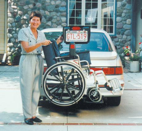 hitch mounted hydraulic wheel chair lift