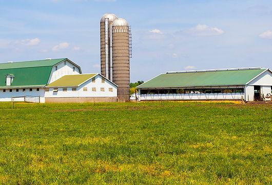 Équipements agricoles pour les fermes.