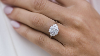 Cushion-Cut-Diamond-Three-Stone-Engageme