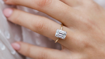 Emerald-Cut-Diamond-Engagement-Ring.png