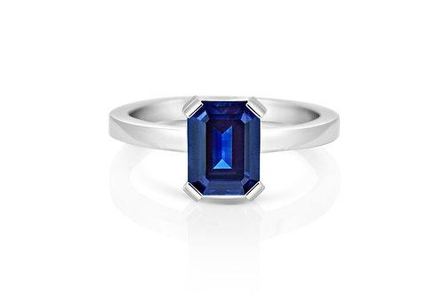 18ct White Gold Australian Sapphire Ring