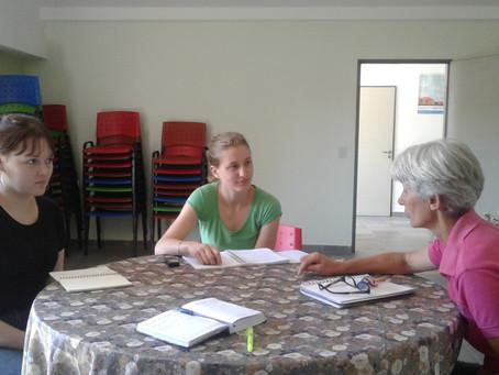 Visita de estudiantes al CAMI y a la Oficina de Migraciones - Cáritas Laferrere