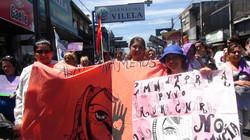 Grupo de mujeres en una marcha.