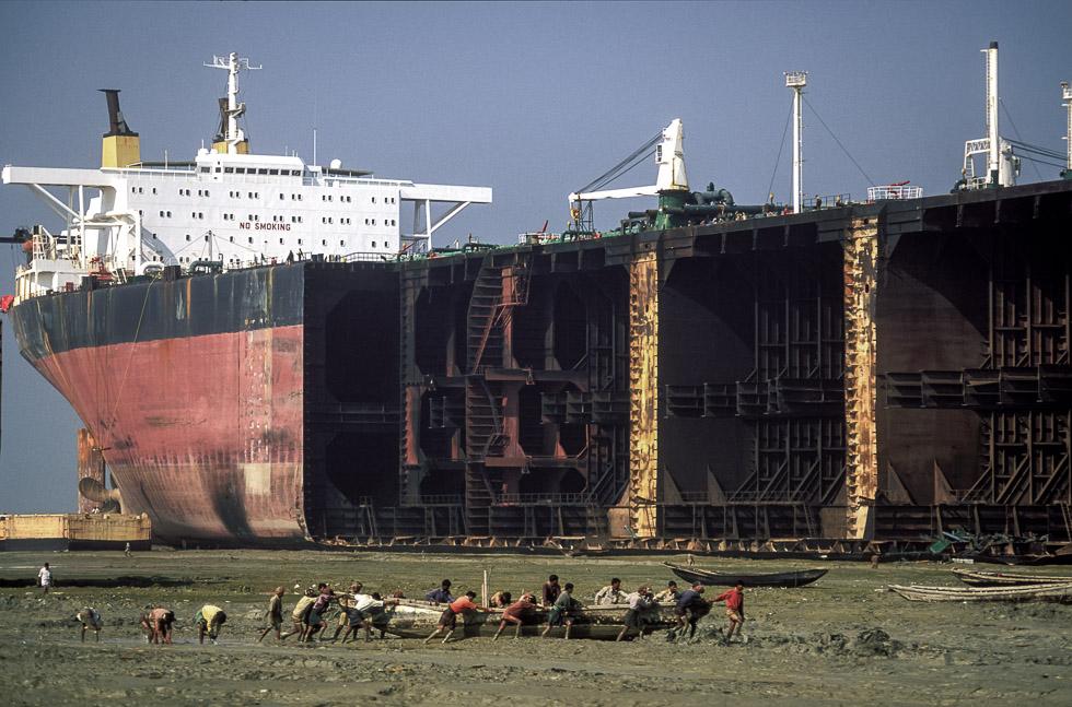 Supertanker & canoe