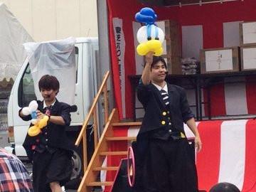 企業のお祭りに双子パフォーマーPLuto出演