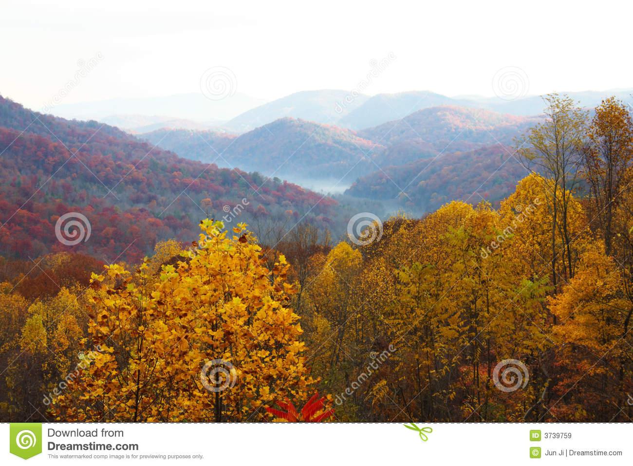 colorful-mountain-landscapes-fog-3739759