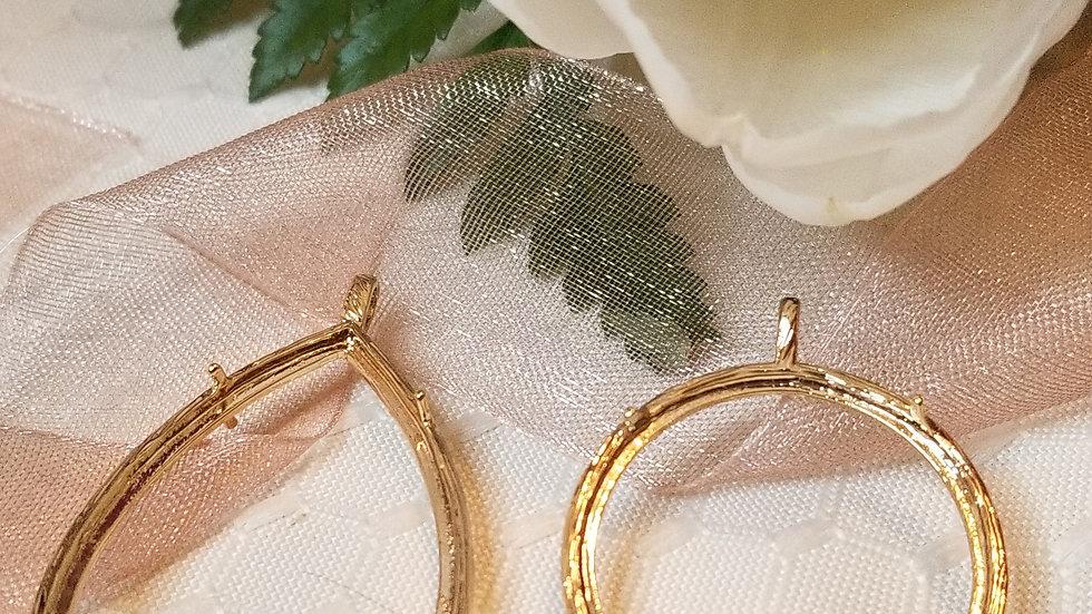 Gold glass locket pendants