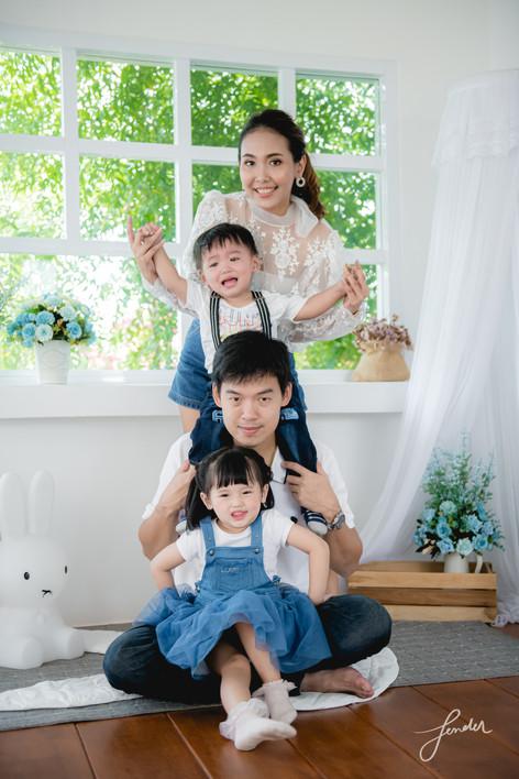 Familyportrait | FenderFoto | ถ่ายเด็กเล็ก