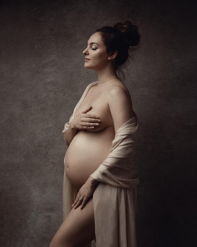 maternity portraits in fabric, studio maternity, maternity session New Orleans, best maternity photographer New Orleans , New Orleans best photographer