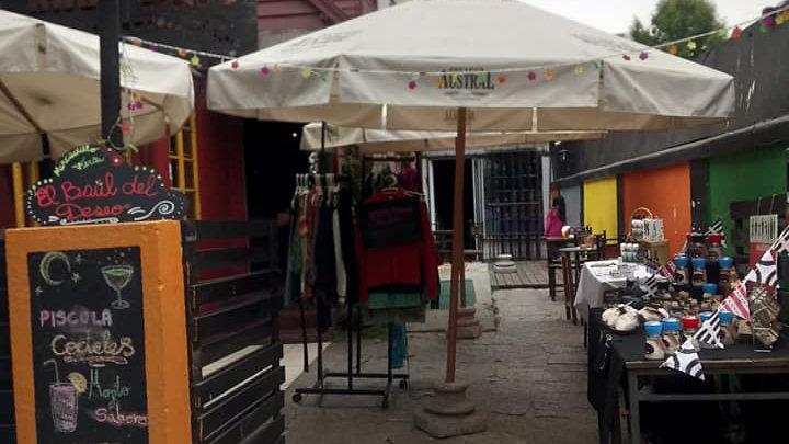 Se vende derecho a llave de entretenido y prestigioso Bar restauranta en Sector