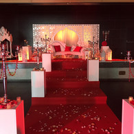 decor trone rouge mariage