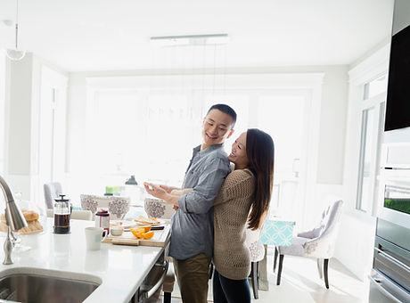Par i ett kök