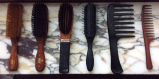 Choosing the Best Combs and Brushes for Healthy Hair