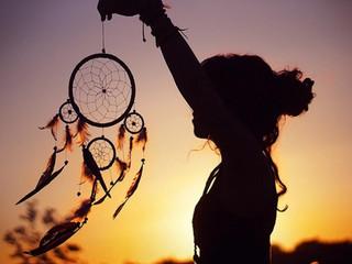 8 типов Снов у вас есть и что они на Самом Деле означают