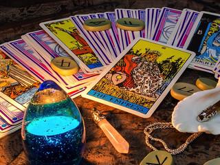 Связь между Таро и астрологией