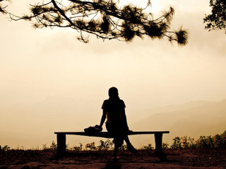 Почему мы должны прекратить сравнивать нашу боль с тем, что пережили другие