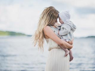 Символы и торжества материнства