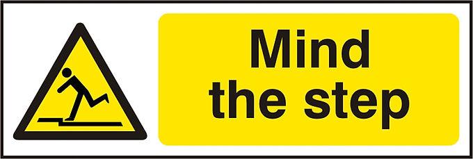 MIND THE STEP  SAV (PK5) 300MM X 100MM
