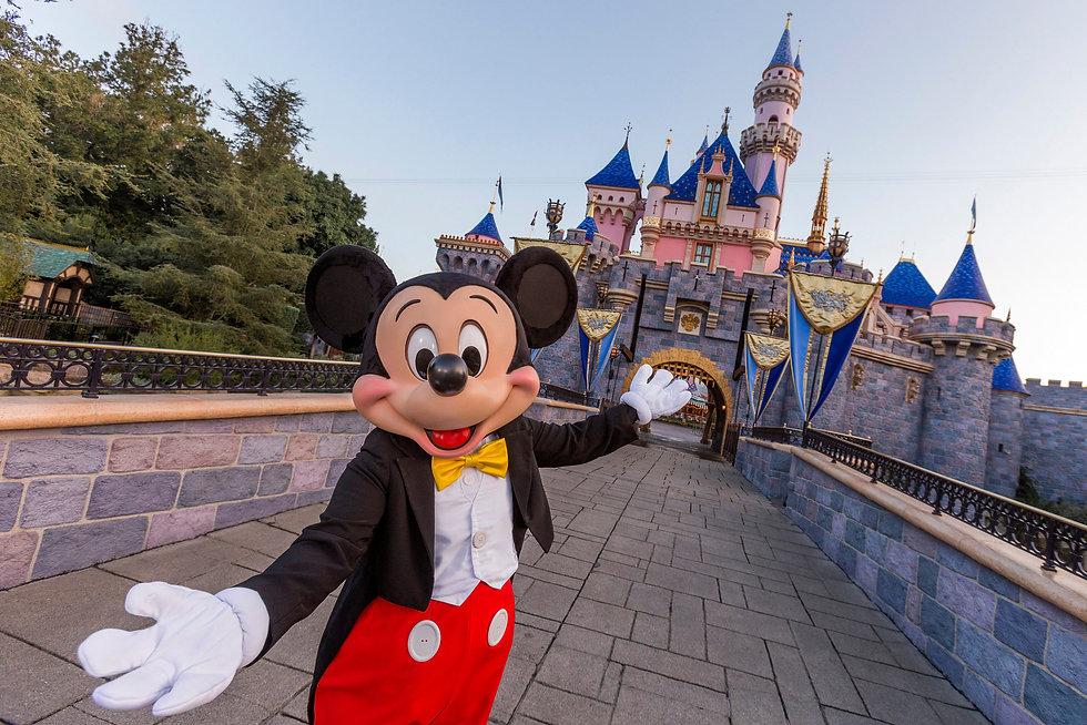 Disneyland_Resort.jpg