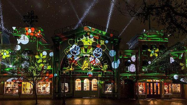 Mickey's-Magic-Light-show-4.jpg