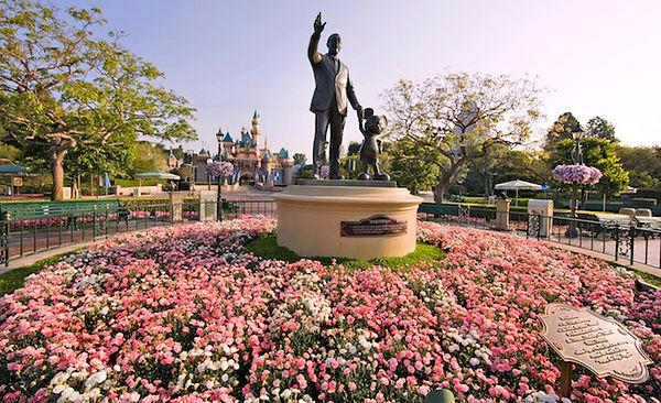 Walt & Mickey statue in Disneyland park