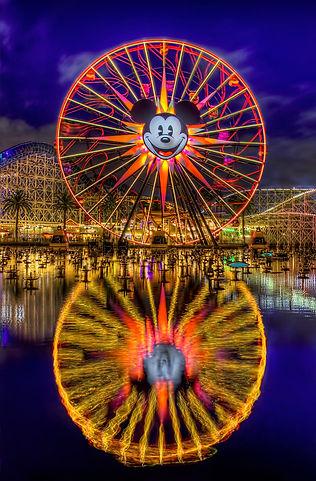 Disneyland-Universal-Studios-Comb0o-tick