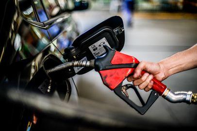 O alto custo do combustível e a sinfonia orquestrada da privatização