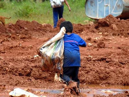 Brasil volta a ter 14 milhões de famílias na miséria. Vai piorar