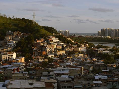 Polícia Civil ataca 'lavanderia' da milícia no Rio