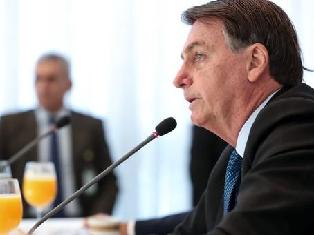 Bolsonaro justifica alta da luz com risco de apagão